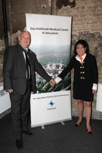 Gady Gronich, Director of Hadassah Germany, and Regine Sixt