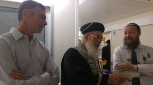 Among the many visitors to Odel Bennett and her son Natan were Sephardic Chief Rabbi of Jerusalem Shlomo Amar. To his left is acting head of surgery Prof. Alon Pikarsky who operated on Bennett. Right is HMO Rabbi Moshe Klein.